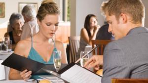 4 motive pentru care sunt recomandate intalnirile la ora pranzului