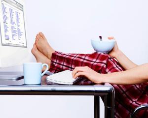 3 motive pentru care munca de acasa este nociva pentru sanatatea ta