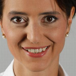 INTERVIU MARKETINGPORTAL.RO - Andreea Rosca: Un PR manager este doar calea, una dintre multele posibile