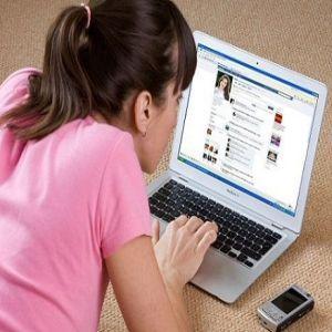 Facebook se jura ca nu va inunda fluxul de stiri cu publicitate