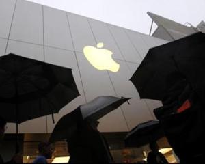 Apple a rascumparat actiuni de 14 miliarde de dolari in ultimele doua saptamani