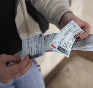 Reclame pe biletele de tren: CFR vinde spatii publicitare