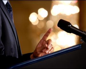 9 fraze pe care nu trebuie sa le rostesti niciodata cand tii un discurs