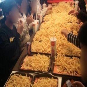 Ultima nebunie in randul adolescentilor asiatici: Petrecerile cu cartofi prajiti