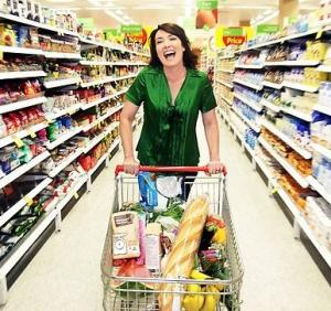 Supermarketul, universul de cumparaturi al romanilor