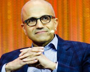Satya Nadella este oficial noul director general al Microsoft