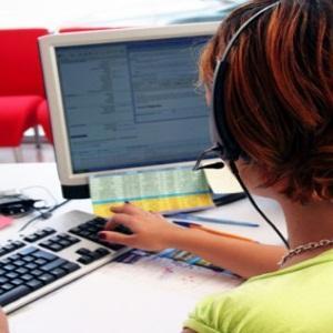 Cum sa vindeti si mai bine prin telefon: limbajul si vocea