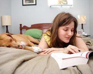 5 trucuri pentru a te trezi devreme dimineata si a creste productivitatea de peste zi